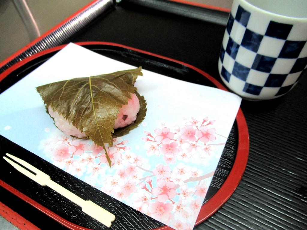 デイサービスオアシスきずり 「手作りおやつイベント【桜餅】」を開催しました1