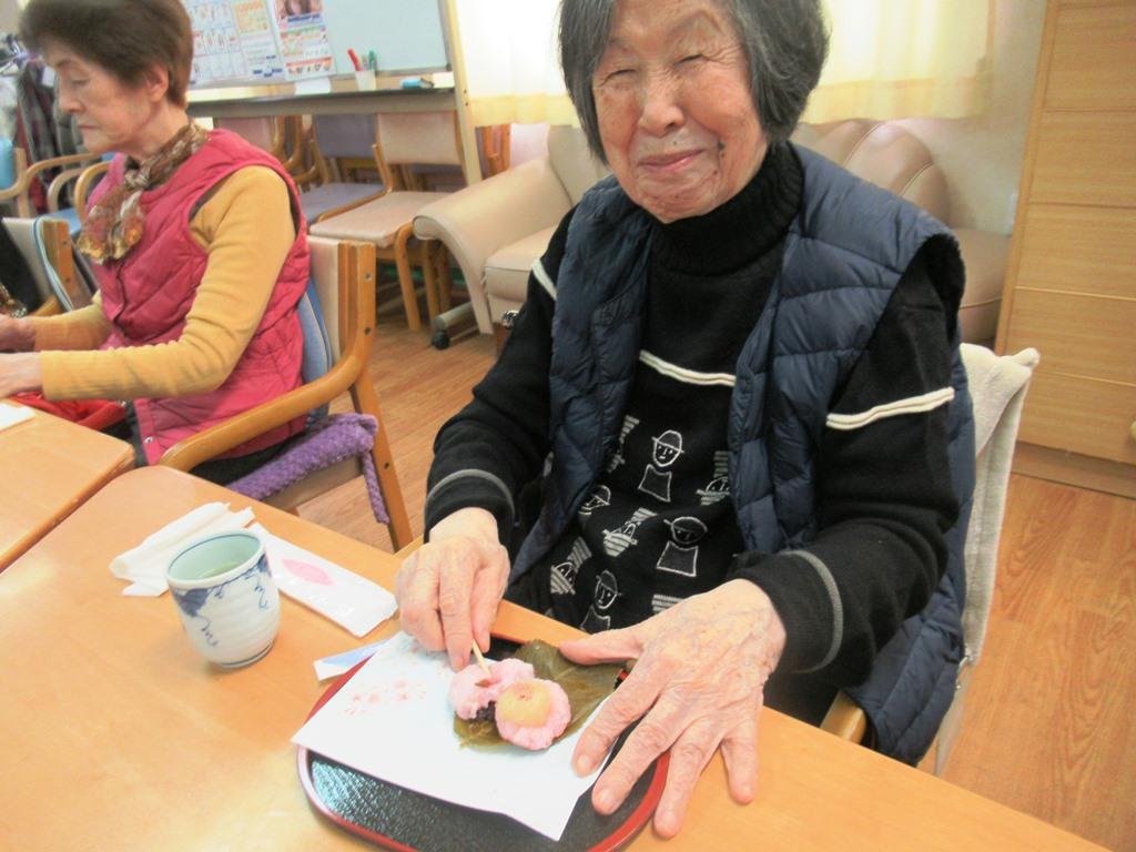 デイサービスオアシスきずり 「手作りおやつイベント【桜餅】」を開催しました7