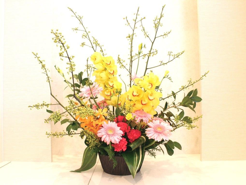 木下内科クリニックの生け花(睦月の壱):「春らしく」全体