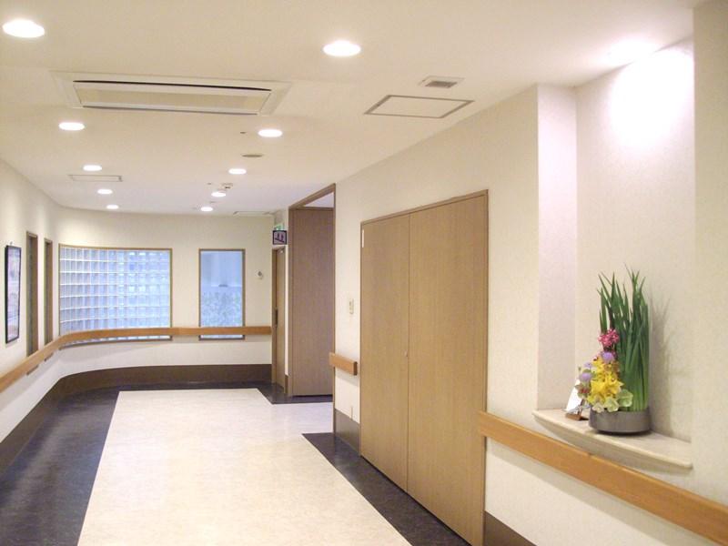 介護老人保健施設オアシスの生け花(弥生の壱)  2階:「かまくら」2